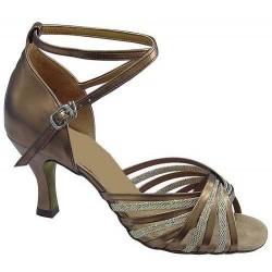 Aminata : Chaussures en forme de 8