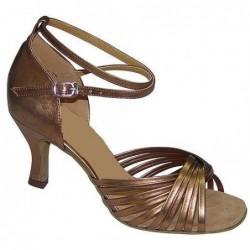 chaussures de danse: Trets
