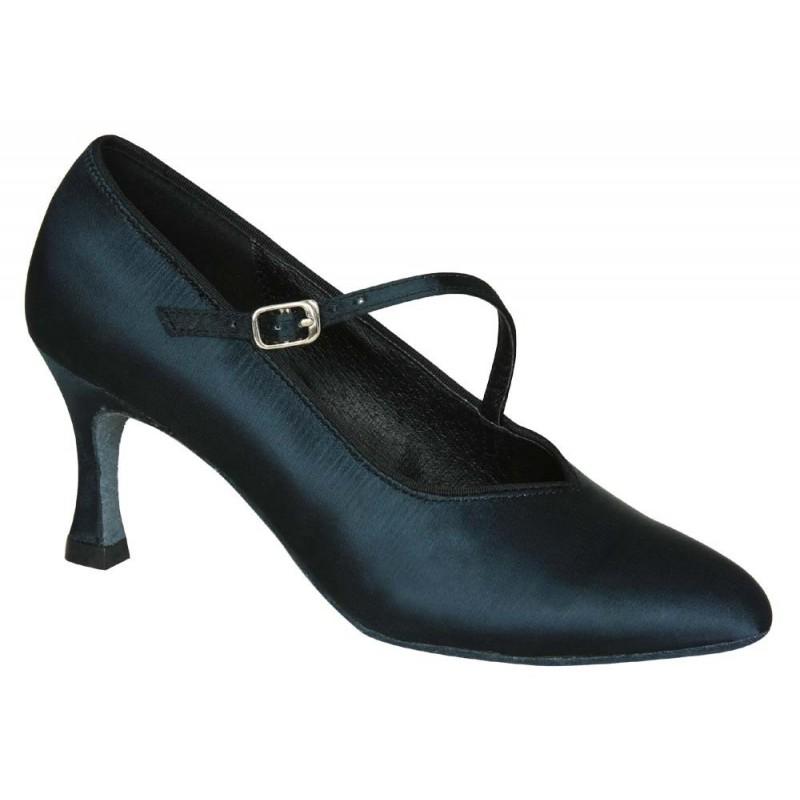 Noa : Ce style de chaussures de danse