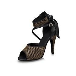 Eva : Nous aimons sur ces chaussures de danse