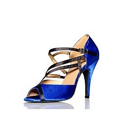 Pauline : Un modèle de chaussures de danse revisité